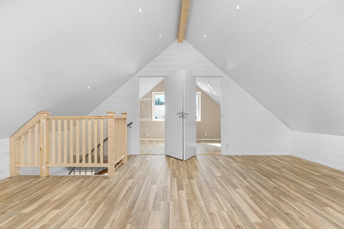 Inspirationsbild - Rymlig övervåning med möjlighet till flera sovrum...