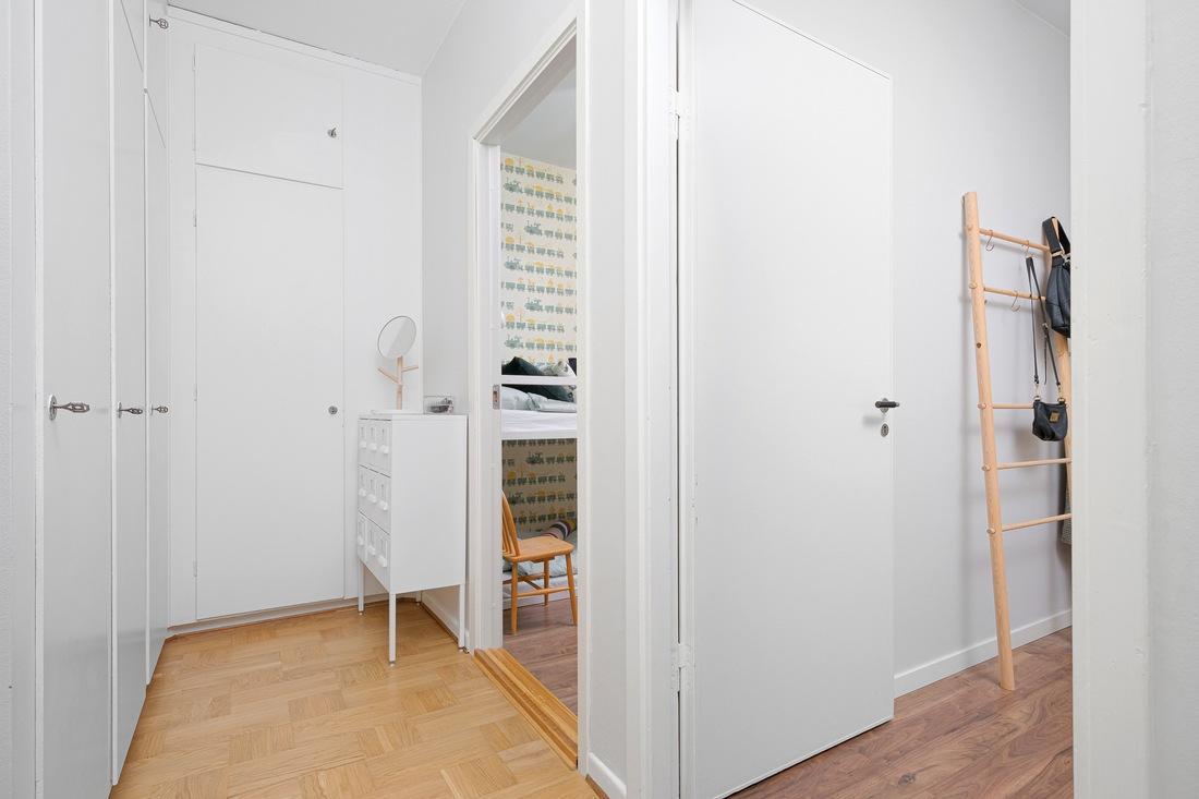 Praktiska platsbyggda garderober