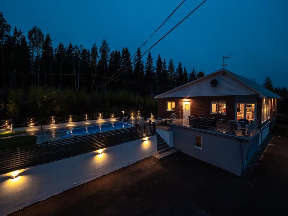 Renoverat 60-talshus med pool och #mikrobryggeri...