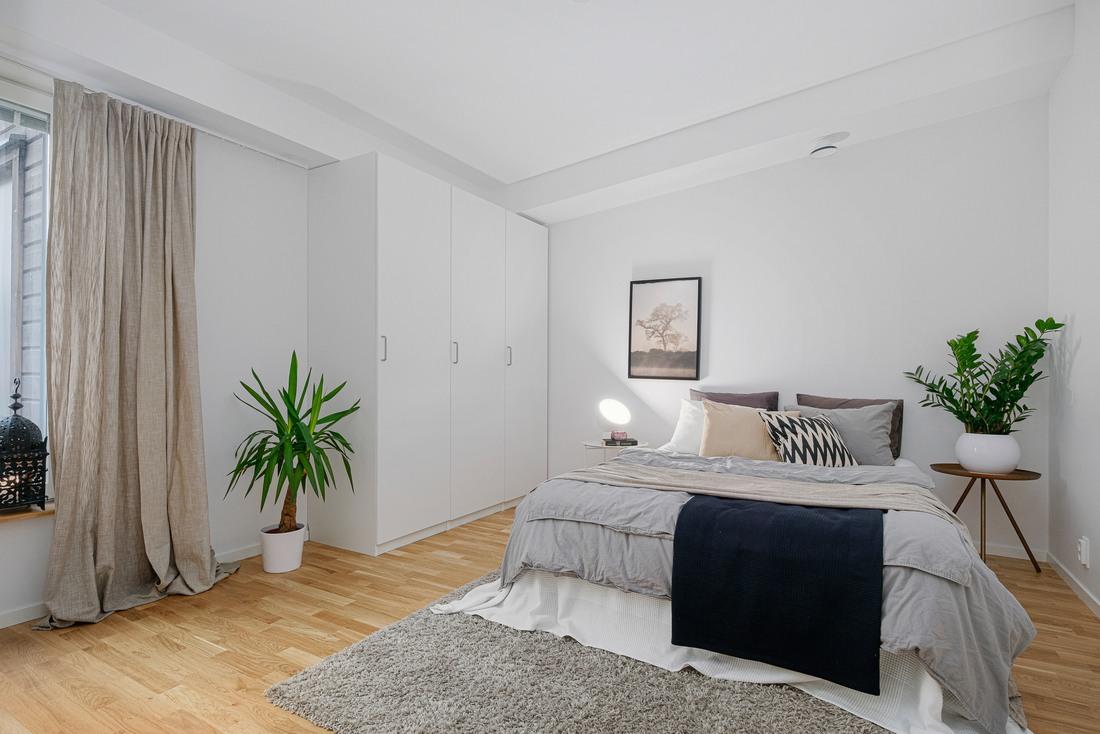 Rymligt Master bedroom...