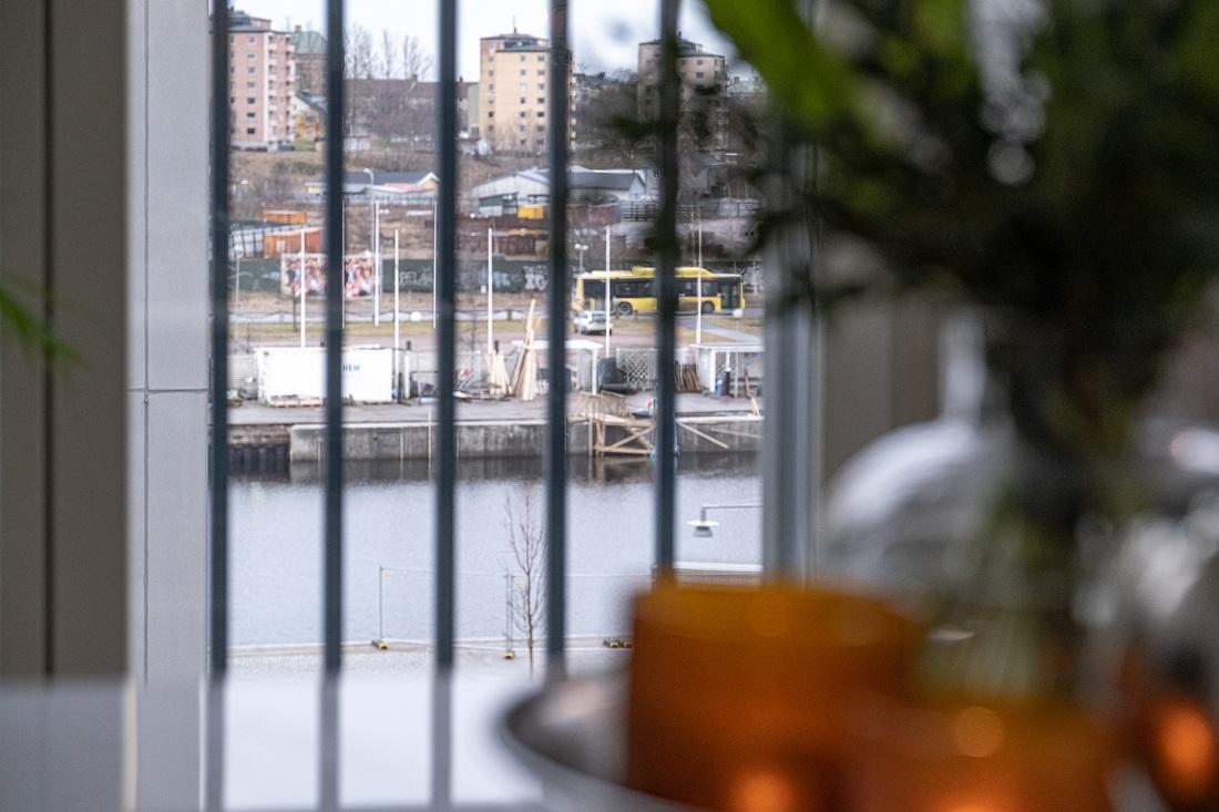 Utsikt mot såväl Gavleån som kanalen..