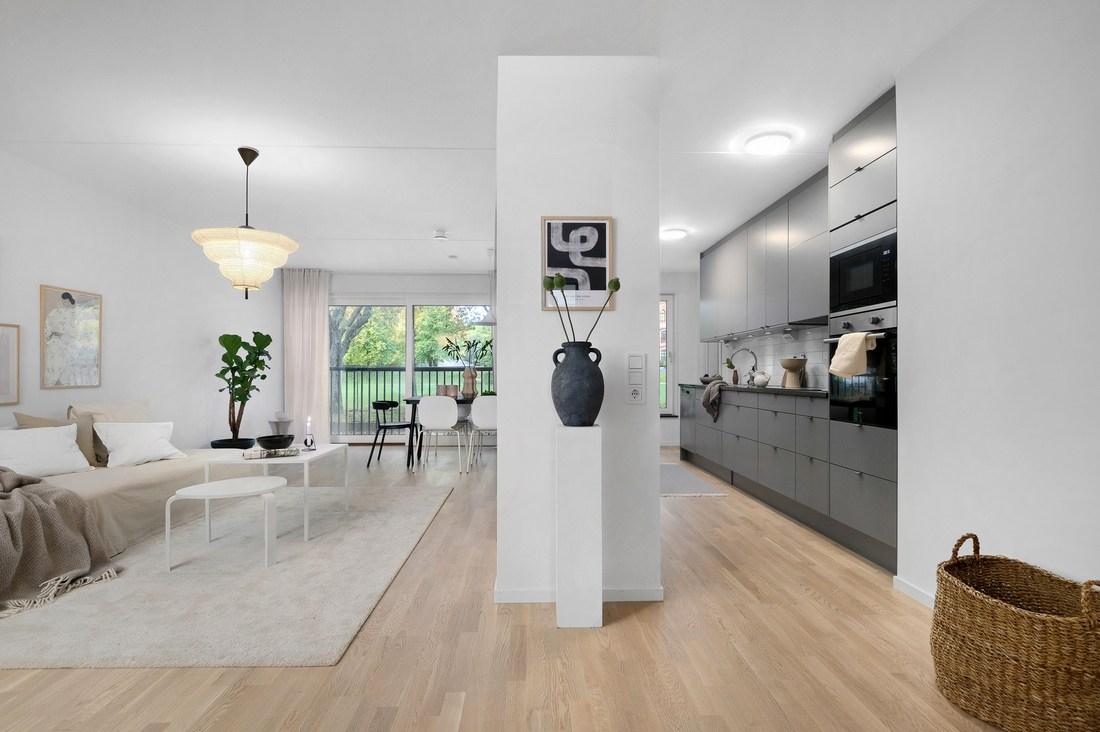 Modern, öppen planlösning, kök från Marbodal & bra materialval...