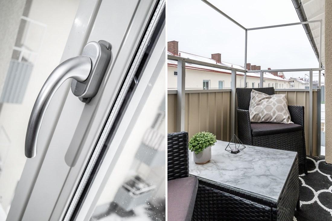 Nya fönster och balkong med fri vy mot Sofiagatan...